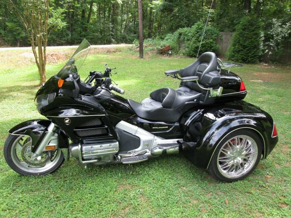 Photo HONDA GOLDWING GL 1800 W CSC VIPER TRIKE KIT CONVERSION - $23900 (Rome)