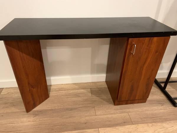Photo Manicure Table - $75 (Columbus Ga)