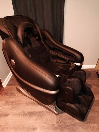 Photo Massage Chair built-in Bluetooth with remote control - $3,500 (Phenix City)