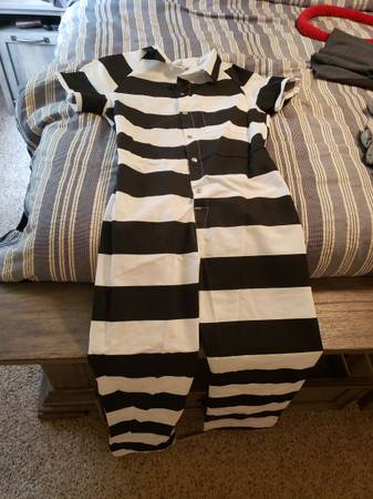 Photo Prisoner Costume, Amazon Driver Uniform, McDonalds Unifrom Top - $15 (Columbus)