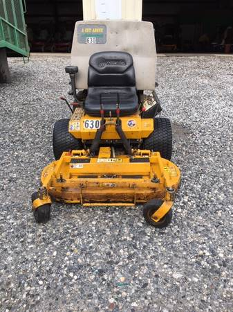 Photo Walker 42quot zero turn mower - $3,650