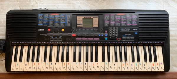 Photo Yamaha PSR-220 61 Key Electric Keyboard - $120 (Phenix City)