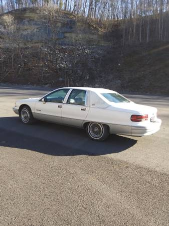 Photo 1992 Chevy Caprice - $2200 (Albany)