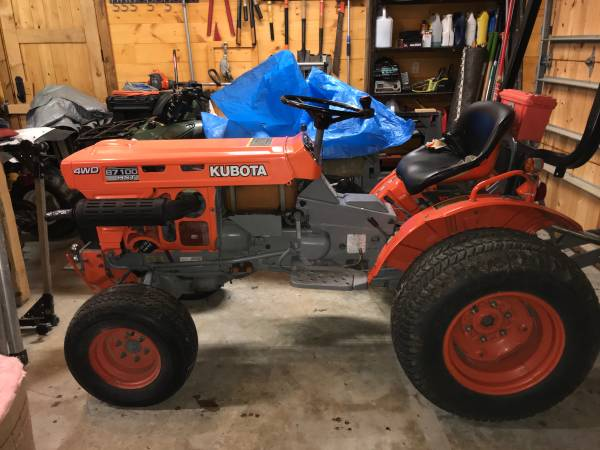 Photo 1992 Kubota B7100 HST-D  Mower - $4900 (Spencer, Tennessee)