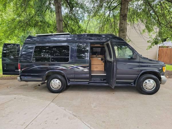 Photo 1999 Ford E350 -- Custom Cer Van - $24,000 (Farragut)