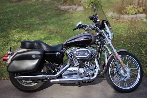 Photo 2004 Harley Davidson XL1200C Sportster 5k miles - $4,700 (Bellevue)