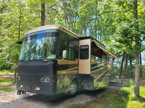 Photo 2005 FLEETWOOD PROVIDENCE SPARTAN CHASSIS - $79,000 (COOKEVILLE)
