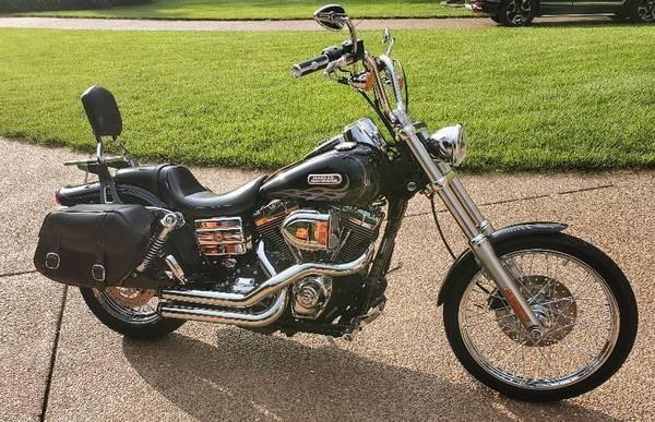 Photo 2007 Harley-Davidson dyna wide glide efi fxdwgi - $11,000 (Franklin, TN)