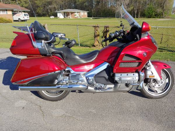 Photo 2013 Honda Goldwing GL1800 ABSNAVCOMFORT PKG only 84k miles - $12,995 (Decatur)