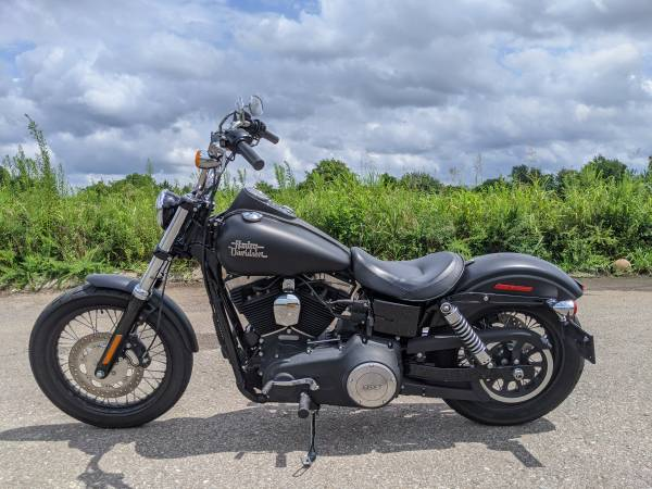 Photo 2015 Harley-Davidson Dyna Street Bob - $10,250 (Nashville Mt Juliet)