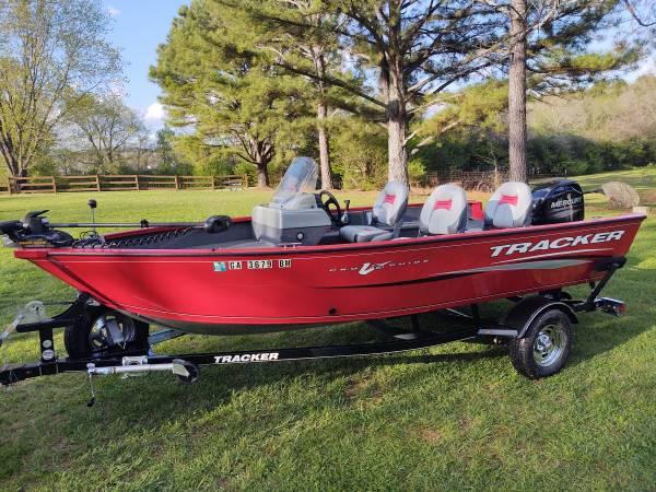 Photo 2016 Bass Tracker Pro Guide V16 - $17,900 (Antioch)