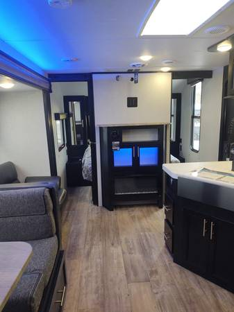 Photo 2021 CHEROKEE Grey Wolf 26DBH Travel Trailer by Forest River - $28,381 (www.weekendrvcenter.com Weekend RV Center)