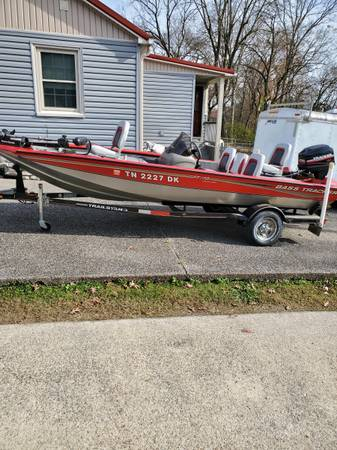 Photo BASS TRACKER BOAT FOR SALE - $10,500 (MADISON, TN)