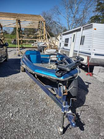 Photo Bass boat for sale - $5,000 (Shelbyville tn)
