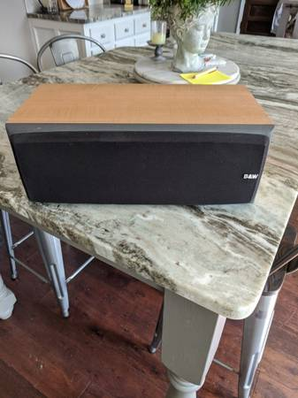 Photo Bowers and Wilkins Center Channel Speaker - $70 (Donelson)