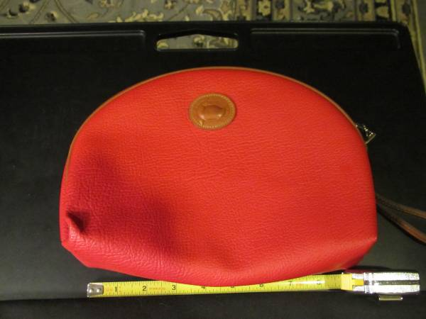 Photo Dooney and Bourke Pebble Leather Wristlet Purse - $60 (Knoxville)