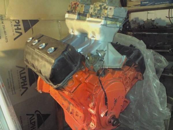 Photo Engines  Transmissions MOPAR BB SB 426 Hemi AMC 360 290 Chevy LT-1 (Crossville, TN)