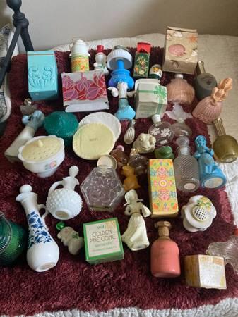 Photo Huge lot of vintage Avon bottles - $145 (Cookeville)