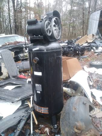 Photo Husky 60 gallon air compressor for parts or repair - $160 (Dalton Ga)