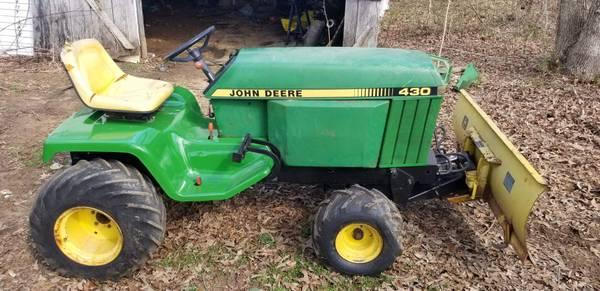 Photo John Deere 430 Lawn Garden Tractor - $3,799 (Cookeville, Tn)