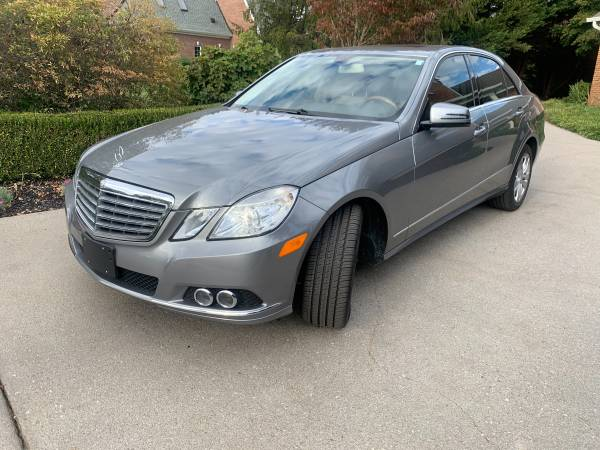 Photo Like New Mercedes Benz e350 4matic 2011 71k - $13,900 (Bearden)