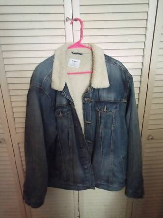Photo Old Navy sherpa lined denim jacket - $25 (Greenbrier)