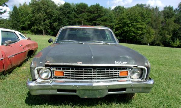 Photo PARTING OUT 1973 CHEVY NOVA hatchback (Grimsley)