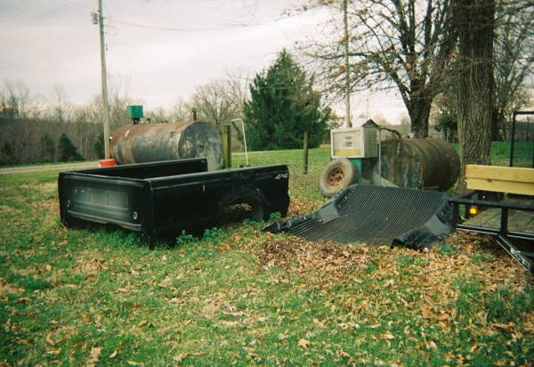 Photo Truck Bed  Liner, Bumper and Tail Lights - $275 (Portland, TN)