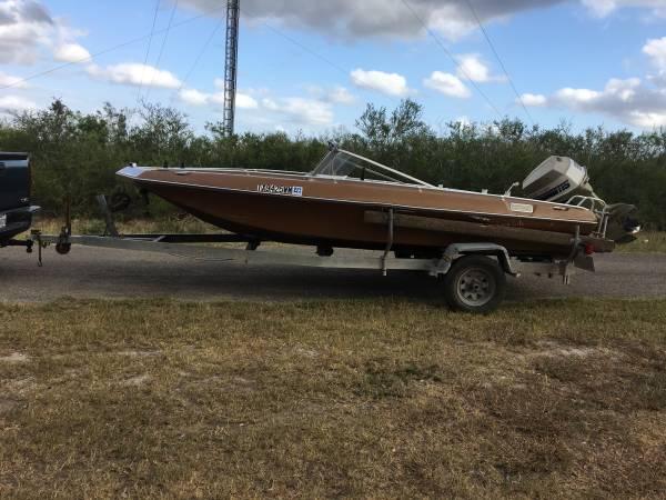 Photo 1978 Baja boat - $1,950 ((OBO) Beeville)