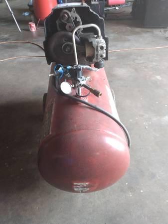 Photo 30 gal craftsman air compresor - $62 (Corpus y)