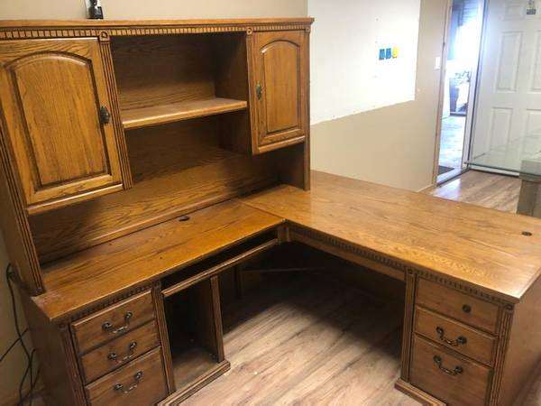 Photo 3 piece desk - $375 (Corpus Christi)