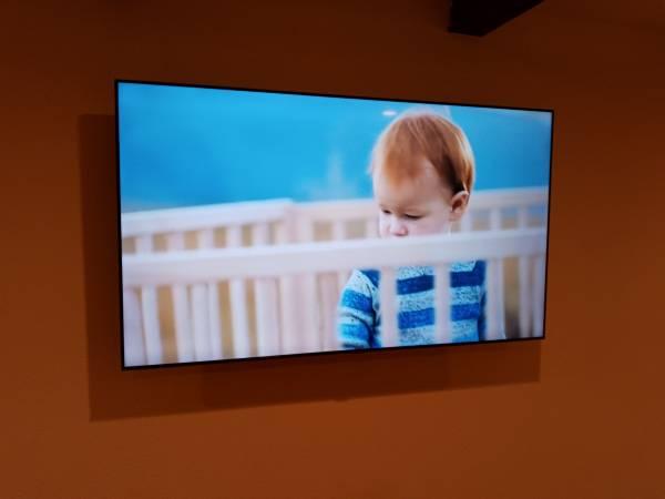 Photo 65quot Samsung Smart HDTV - $400 (DelMar)