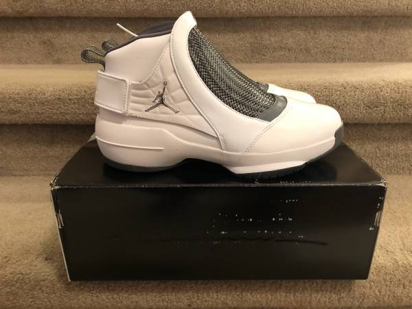 Photo BRAND NEW Nike Air Jordan 19 XIX Retro MENS SIZE 10 - $200 (Southside)