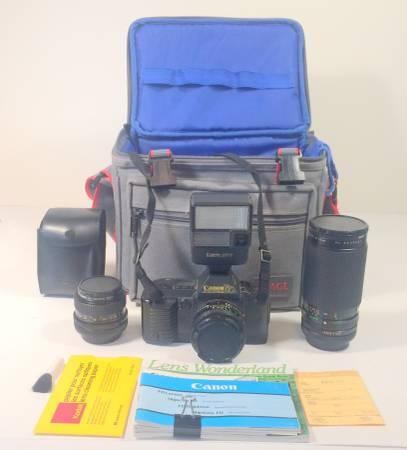 Photo Canon T70 35mm camera and accy39s - $70 (La Vernia)