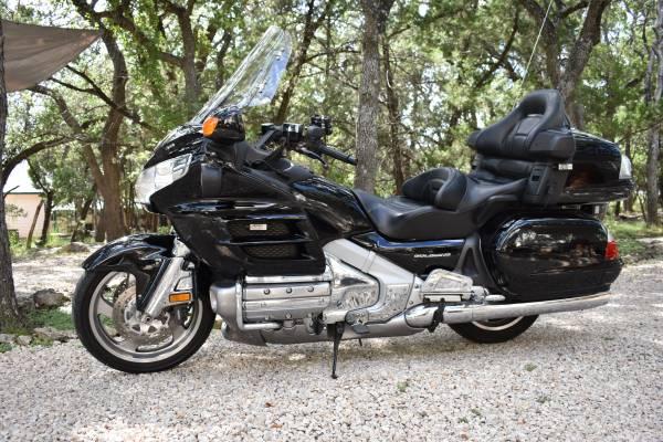 Photo For Sale- Honda Goldwing Motorcycle - $6,900 (Spring BranchSan Antonio area)