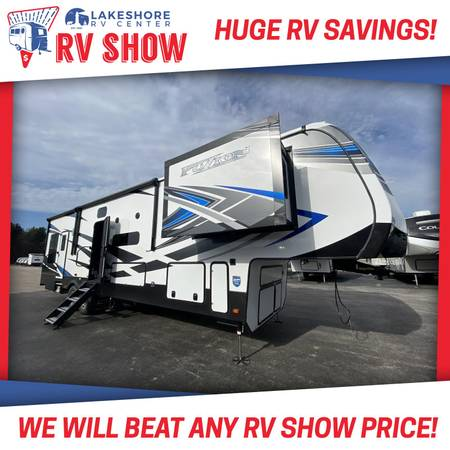 Photo Fuzion 369 Toy Hauler RV - GUARANTEED BEST PRICE IN MICHIGAN - $65,640