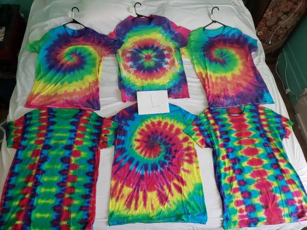 Photo Handmade Tie-Dye shirts colors and camo $5-$20 obo - $20 (Robstown)