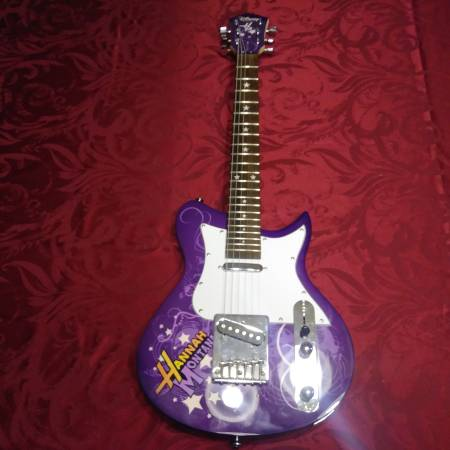 Photo Hannah Montana Electric Guitar - $75 (Corpus Christi)