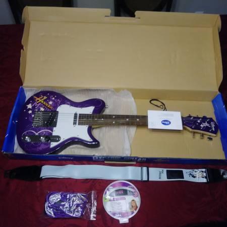 Photo Hannah Montana Electric guitar - $100 (Corpus Christi)
