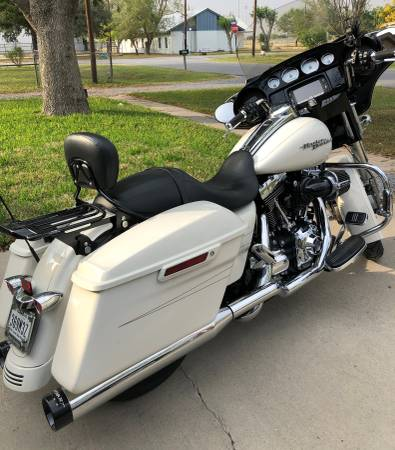 Photo Harley Davidson Street Glide Special - $14,995 (mid - valley)