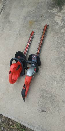 Photo Hedge trimmer electric plug-in x2 - $45 (Flour Bluff)