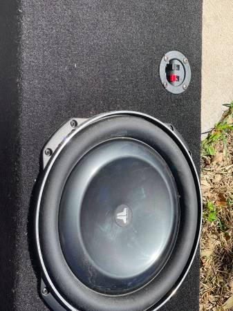 Photo Jl Audio 13.5 Subwoofer with box - $750 (Aransas Pass)