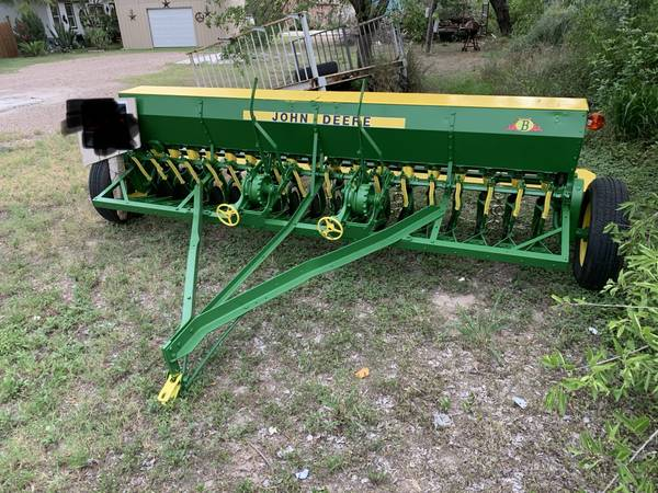 Photo John Deere (B)Grain Drill - $2,950 (Eagle pass, Tx)