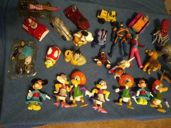 Photo Lot of assorted Mcdonalds happy meal toys - $5 (Sinton)