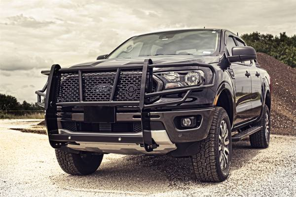 Photo RANCH HAND LEGEND GRILL GUARD FOR FORD EXPEDITION 2018-2021 - $650 (alice)