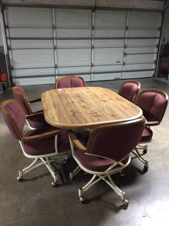 Photo Table and Chairs - $150 (Orange Grove)