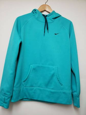 Photo Therma fit hoodie NIKE Womens Large - Blue - $25 (Southside Corpus Christi)