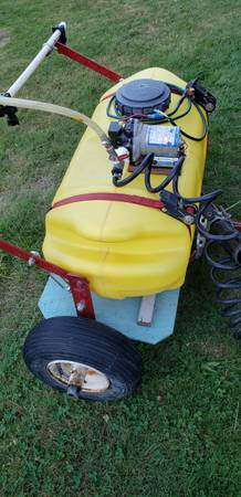 Photo 16 Gallon Sprayer trailer for lawn mower - $200 (Albany)