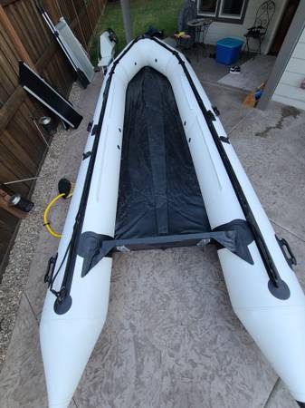 Photo 18 foot Inflatable Boat - Brand New - $2,600 (Milwaukie)