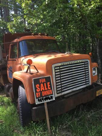 Photo 1977 International Harvester Loadstar 5 yard Dump Truck - $2,075 (Philomath)